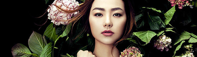 Minh Hang photographed by Zhang Jingna